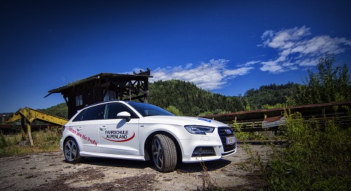 Fahrschule Alpenland - der neue Audi A3